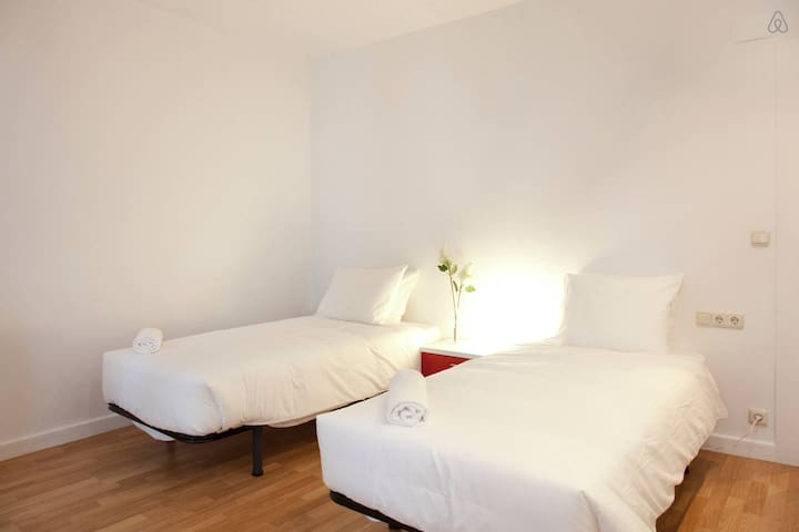 ★Spacious Central Old Town Apartment!★