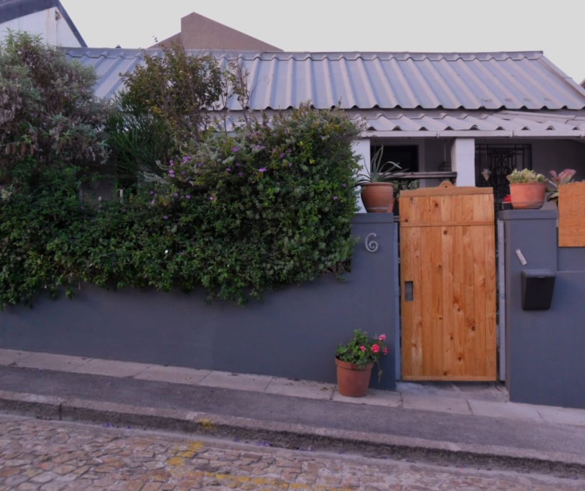 Authentic Kalk Bay cottage.