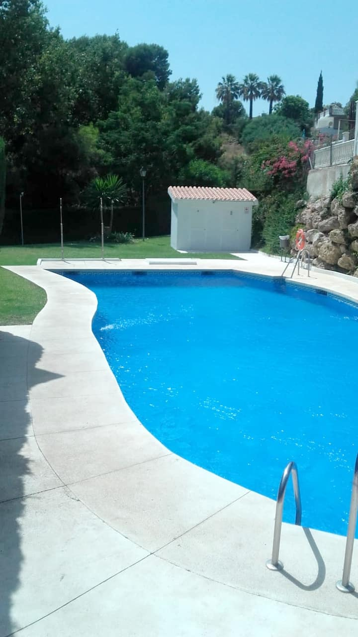 House with 4 bedrooms in Benalmádena, with wonderful sea view, shared pool and furnished terrace - 100 m from the beach