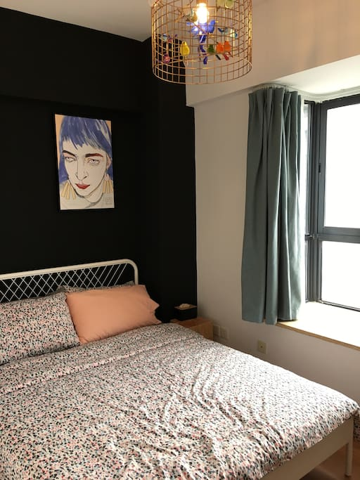 卧室与飘窗