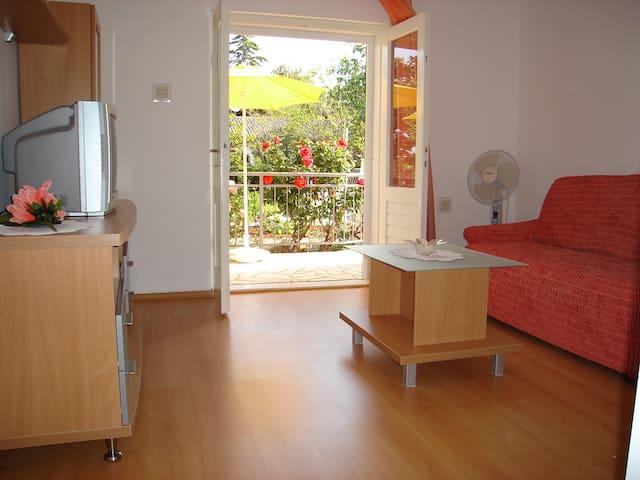 Modern apartment near the beach  - Rogoznica - Appartement