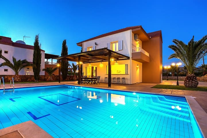 Luxury Villa Zeus - 3 bedrooms - Σίσι