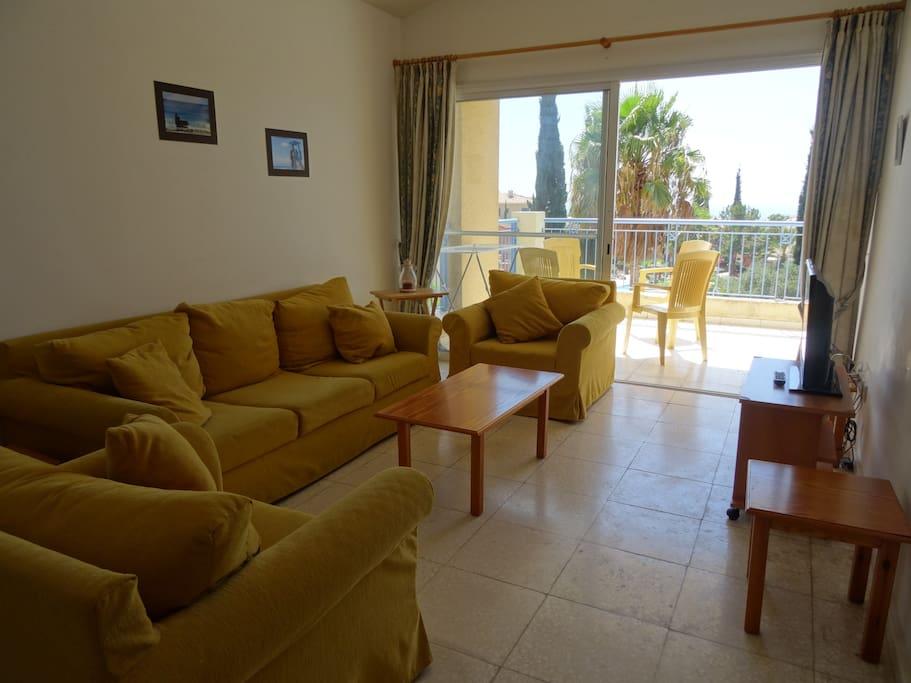 Regina Gardens Two Bedroom Top Floor Flat Apartments For Rent In Paphos Paphos Cyprus
