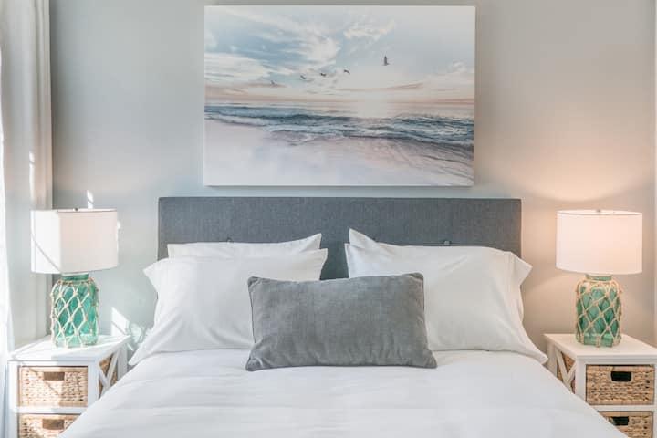 Beautiful Ocean Inspired Private  Two-Bedroom Suite