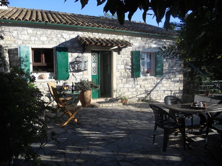 Stone Cottage Oriana, Loggos, Paxos