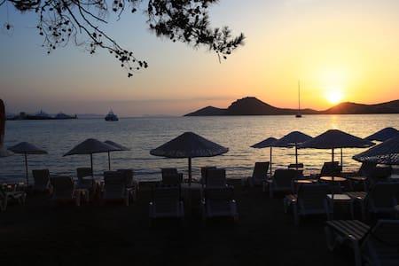 Center,next to the Sea,Paradise - Yalıkavak - Квартира