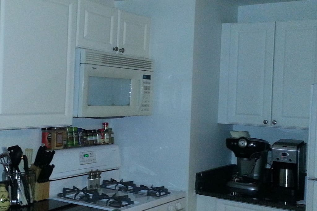 Great kitchen with all the amenities.