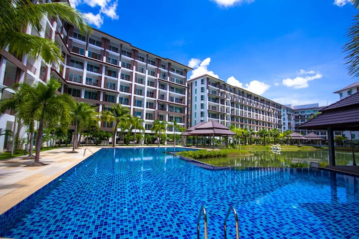 AD Bang Saray Lake& Resort Studio