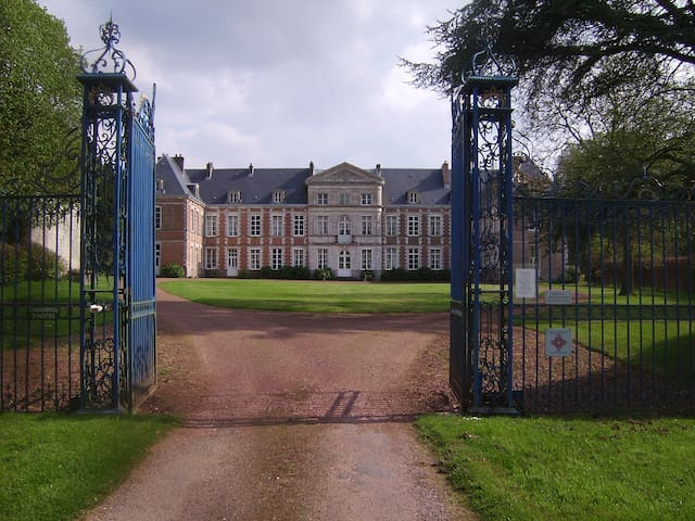 Magnifique château des 17 et 18  - Grand-Rullecourt - Pousada