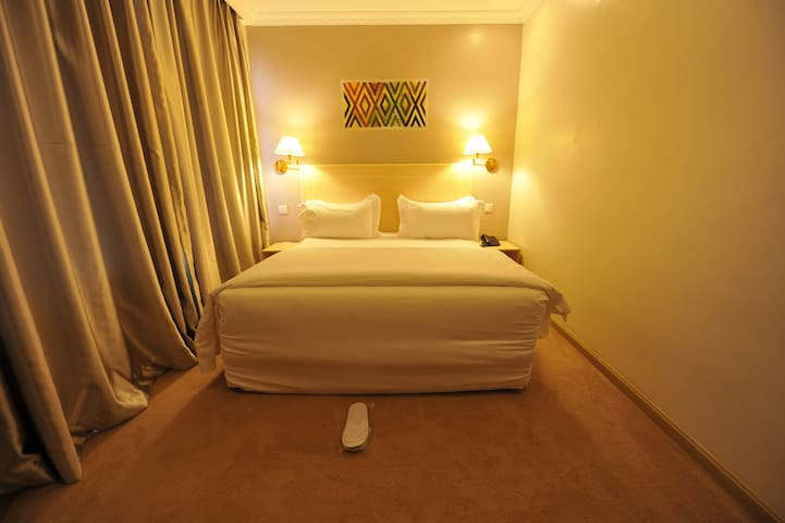 Gloria Hotel, Single Room