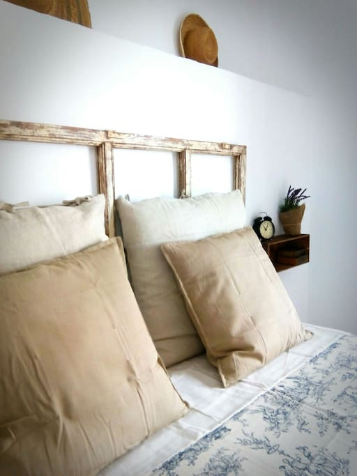 Double bedroom with balcony and big wardrove
