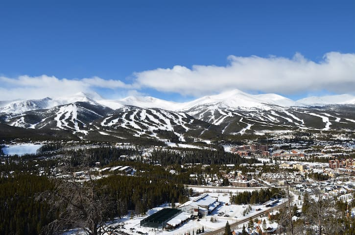 You'll have 5 ski resorts within 16 miles of your rental.