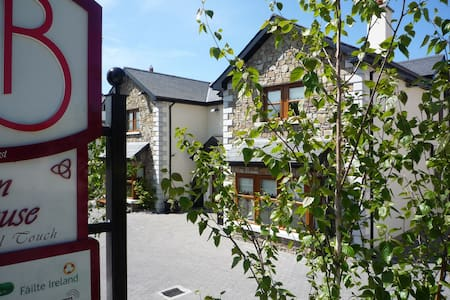 AA 4* B&B Double room Inc Brekkie - Carlow - Bed & Breakfast
