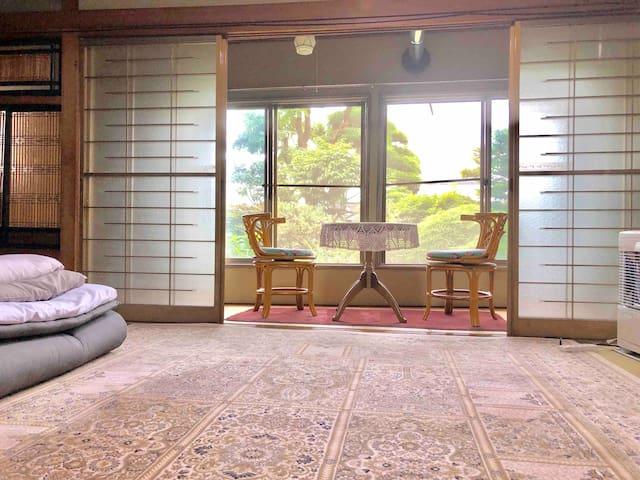 旅館山水一階Furano Station800 m.  貸自転車、駐車場、wifi 無料