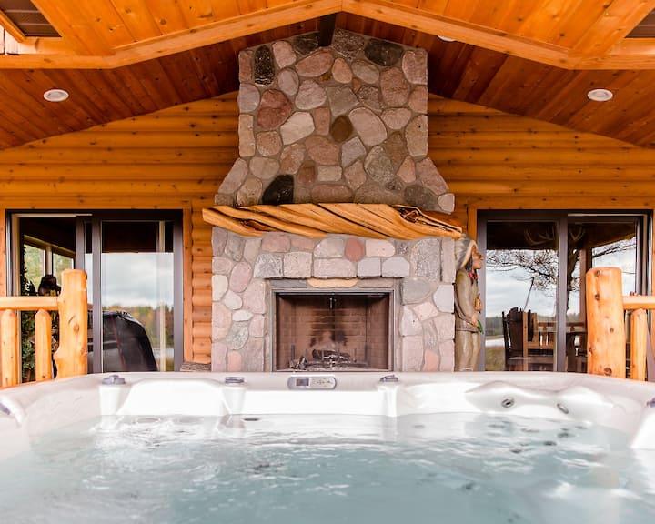 Luxury Lake Cottage at Meemo's Farm