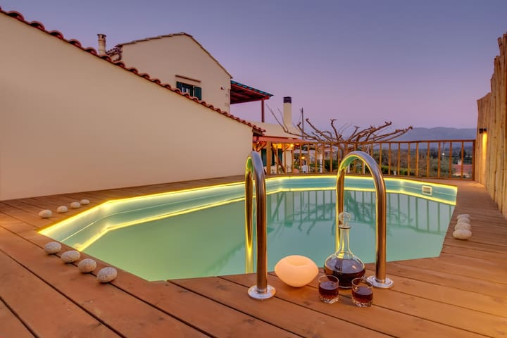 Traditional Ioannis Cottage with Heated Pool !!!