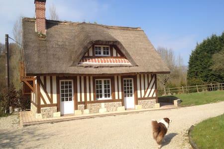 Chaumière Normande proche Deauville - Saint-Étienne-la-Thillaye - Haus