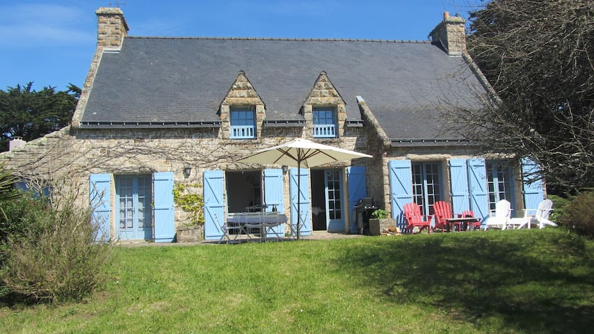 Family home, south-facing, 10 pers, large garden - Île-aux-Moines - House