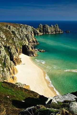 Affordable room in Porthcurno