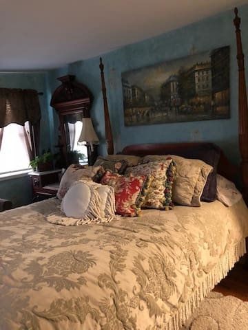 Kathy's Room at HOME in Occoquan