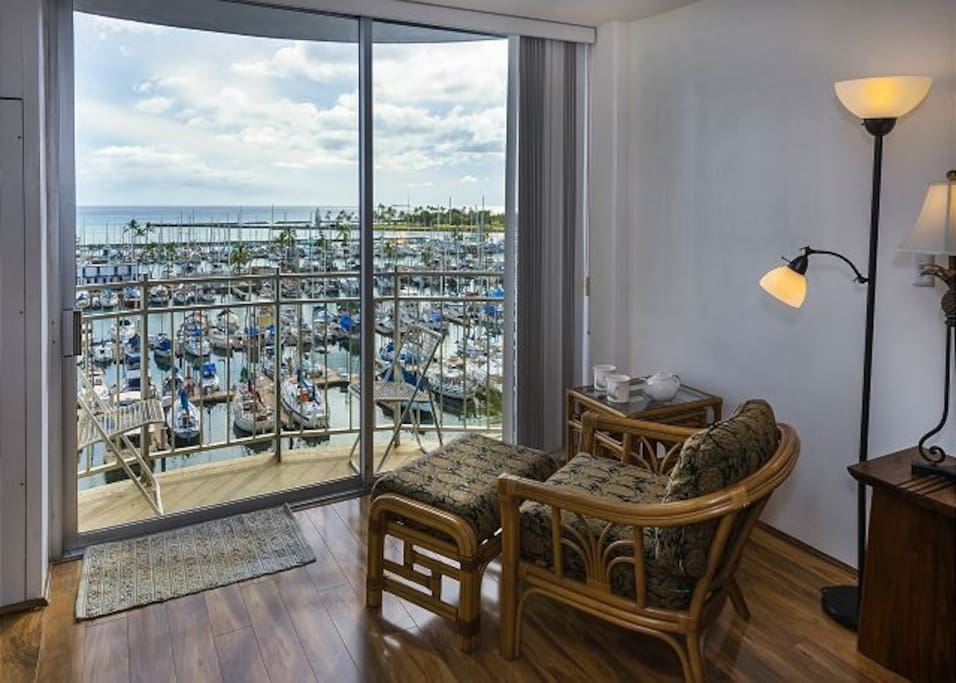 Atop the beautiful Marina sits our beautiful 1 bedroom condo