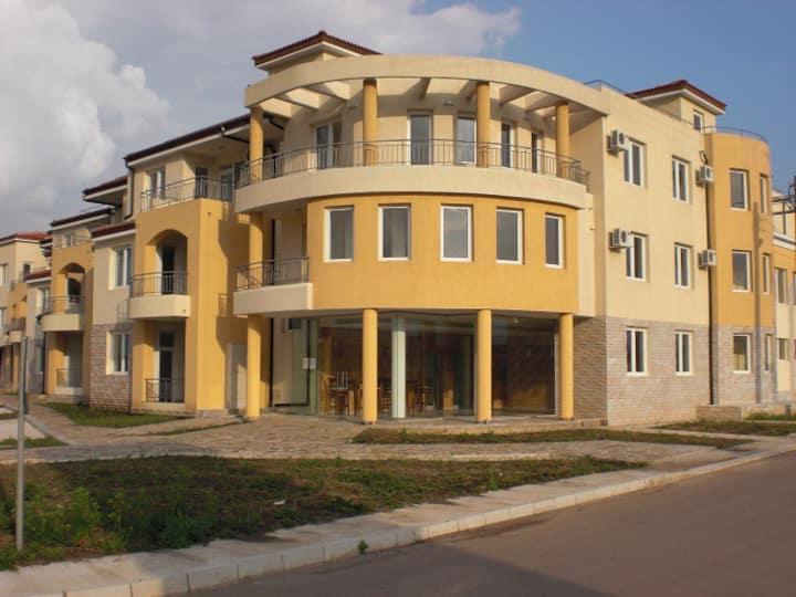 Bozhurets Holiday Resort - Great Apt. for 2-4.