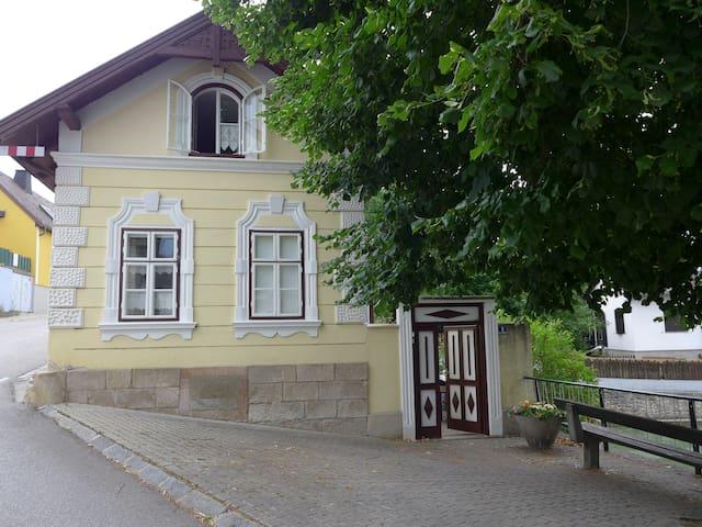 Ferienhaus am Schwimmteich - Brunn an der Schneebergbahn - Casa