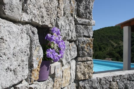Maison standing en Ardèche du Sud - Sampzon