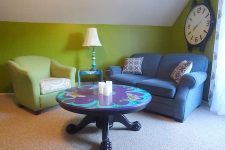 Beach Trails Guest House - Parksville - Apartment