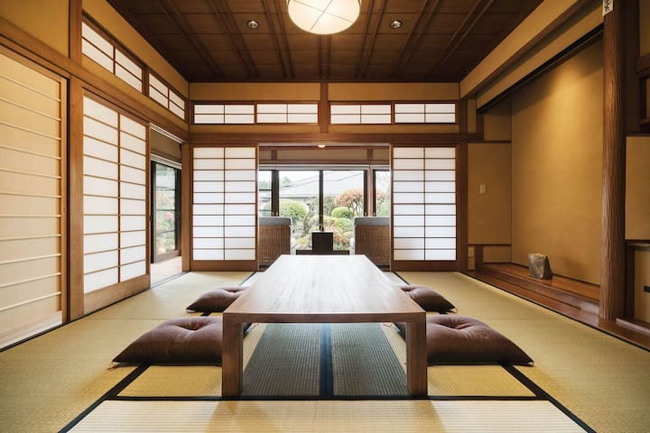 A Traditional Japanese house with a garden in an old Castletown, Obi, Miyazaki Prefecture★伝統的な日本家屋の上質な一棟貸し(勝目邸)