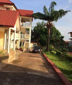 Joli appartement dans propriété sécurisée