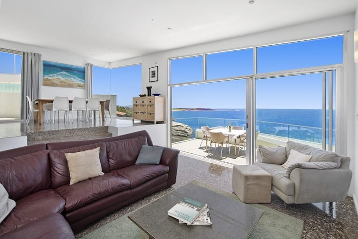 Oceanfront in North Curl Curl