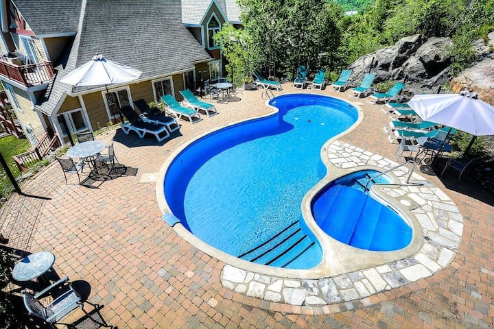 Pool and Hot Tub (Summer Only)