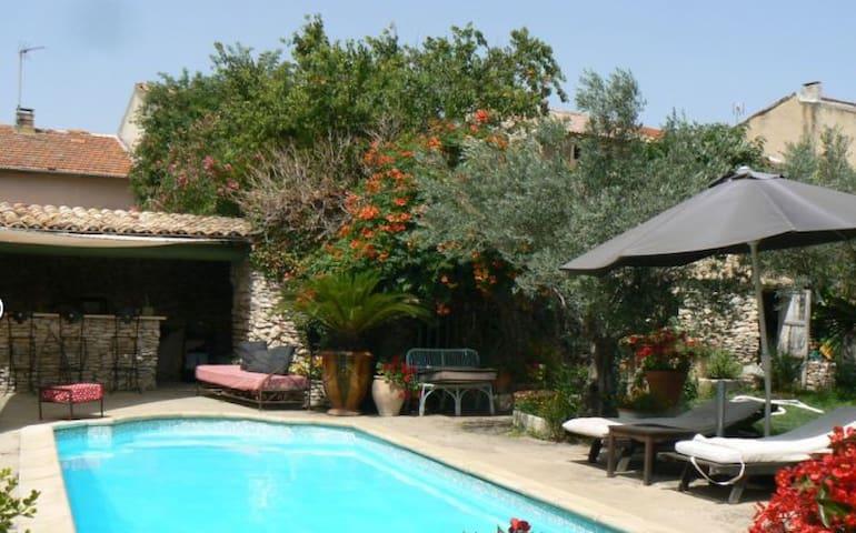maison provencale avec piscine - Tavel