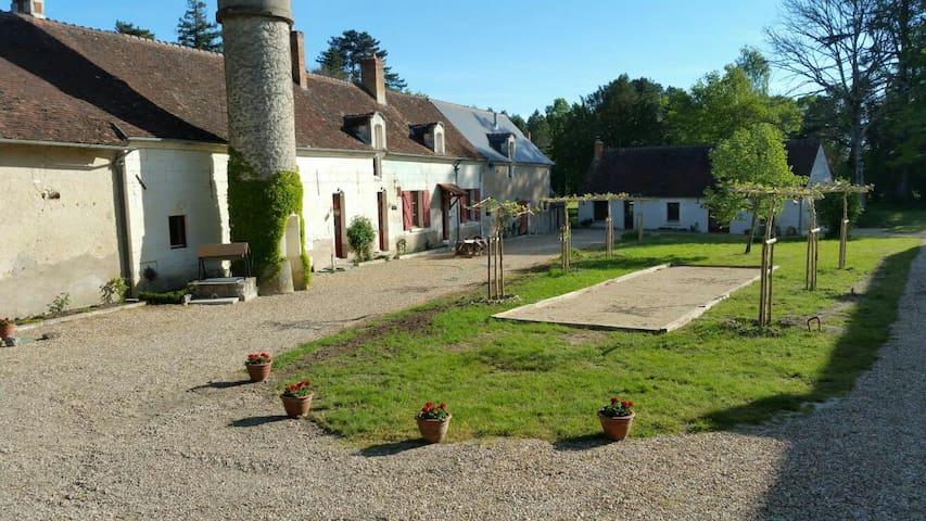 Prachtig vakantiehuis (La Ronde) bij kasteel - Céré-la-Ronde - Blockhütte