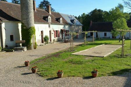 Prachtig vakantiehuis (La Ronde) bij kasteel - Céré-la-Ronde - Cabane