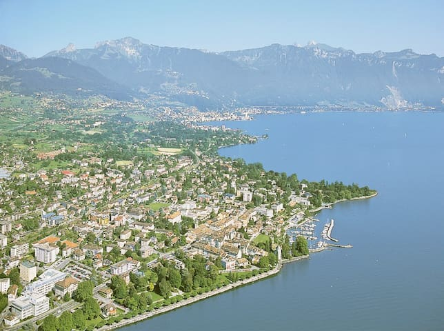Great flat for 1/2/3/4 between Montreux & Vevey