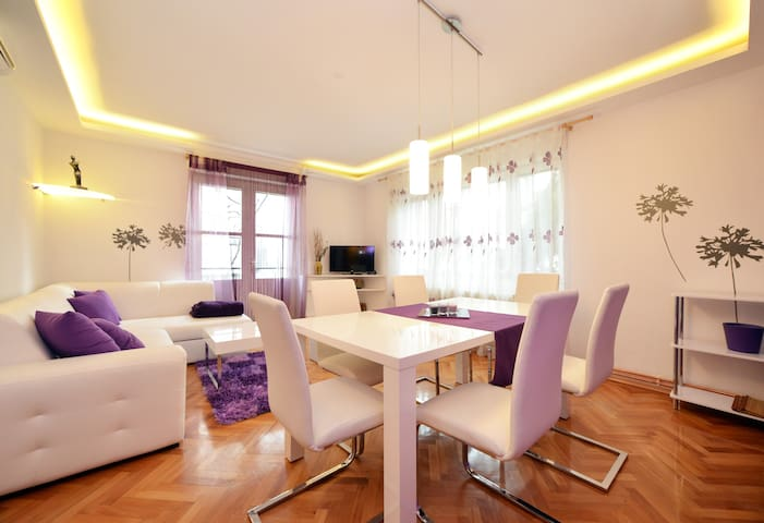 2BD 10min to center, parking Apt1 - Zagreb - Casa
