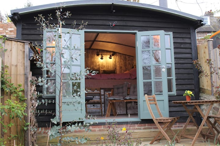 ❤Romantic Garden Cabin in the Heart of Lewes