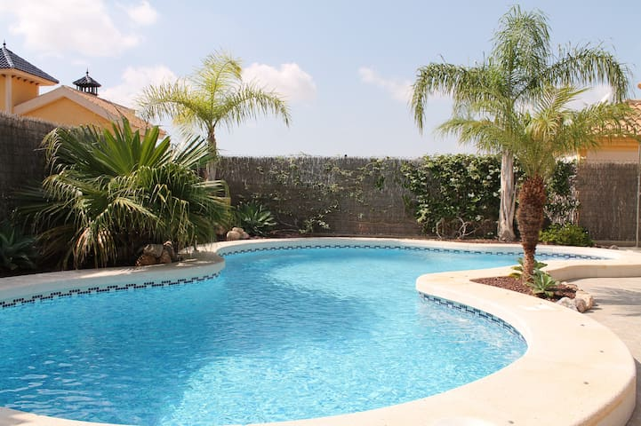 Lovely villa with private pool and paradise garden