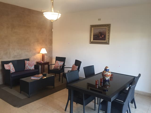 Comfy house, excellent location, quiet and safe. - San Pedro Sula - Hus