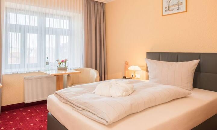 Hotel Mühlhäuser Hof (Mühlhausen) - LOH05580, Standard Einzelzimmer mit Dusche/Bad/WC
