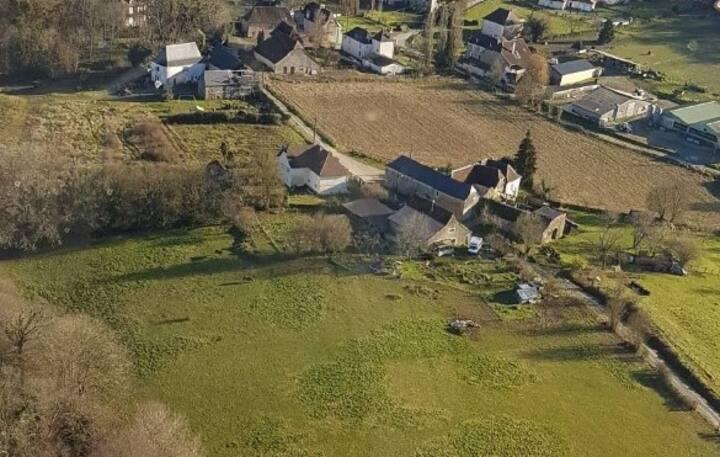 Ancienne grange rénovée dans 1 mini ferme