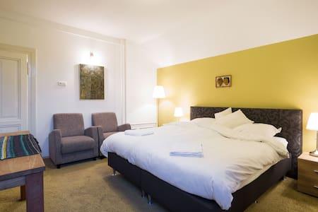 Prachtige Villa in Tegelen - Tegelen - วิลล่า
