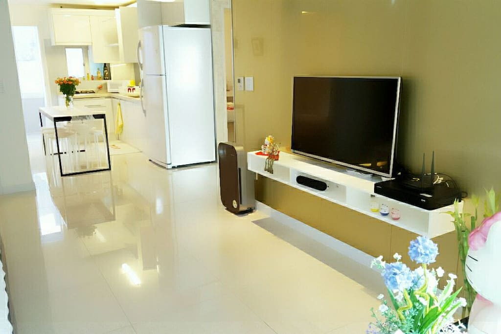 Living room to kitchen!!