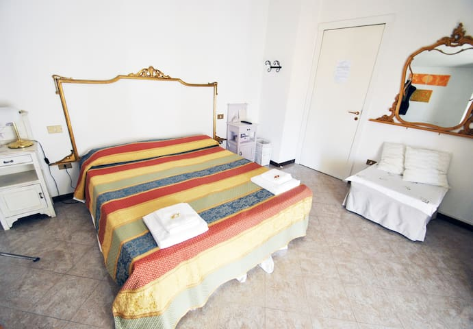 AromadiMantova BB-Habitacion Doble - Curtatone - Bed & Breakfast