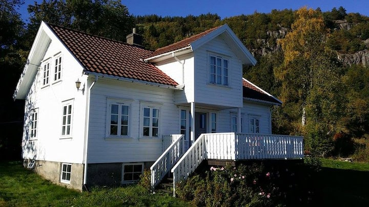 Idyllisk sommerhus på Sørlandet