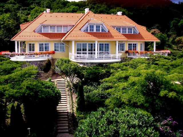 Villa Golden Rain 1 - Balatonalmádi - Haus