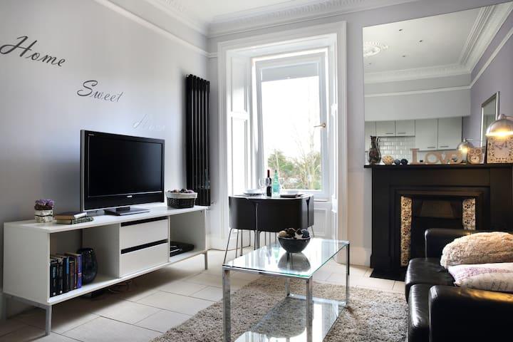 Edinburgh Near Centre Luxury apartm