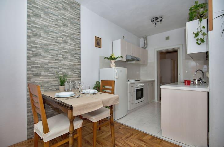 Cosy and modern apartment Mucrum - Makarska - Leilighet